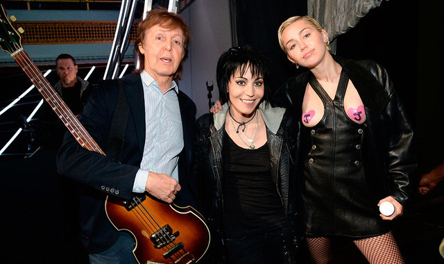 2015PaulMcCartney_JoanJett_Miley_GettyImages-470257880270815.article_x4