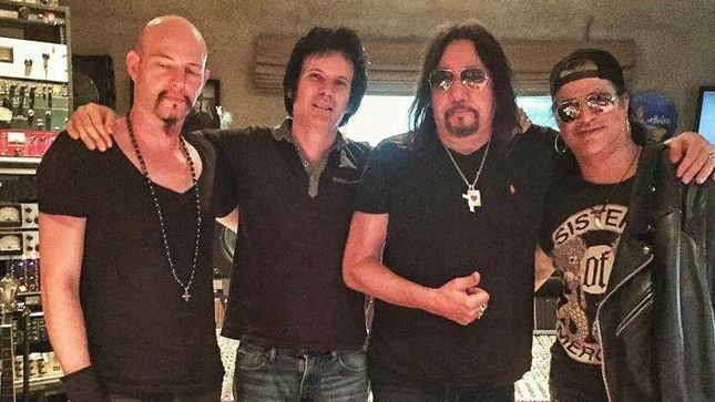 ace-frehley-records-thin-lizzy-classic-with-slash-photo-image